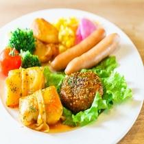 【定食屋「米どころん」朝食】 洋食盛り付け例