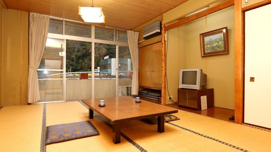 【お部屋タイプB】和室12畳・TV付き・トイレなし・落ち着く畳の上で穏やかな時間をお過ごしください