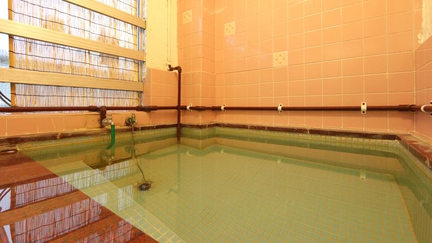 【お風呂】24時間入浴できます♪湯あたりしにくい温泉なので、ゆっくり何回でもくつろげます