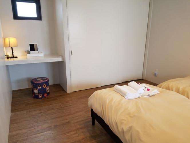 寝室2 シングルベッド×2