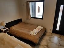 寝室1 シングル・ダブル×1