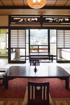 【テラス付き】半露天風呂+和室12畳+3畳+広縁