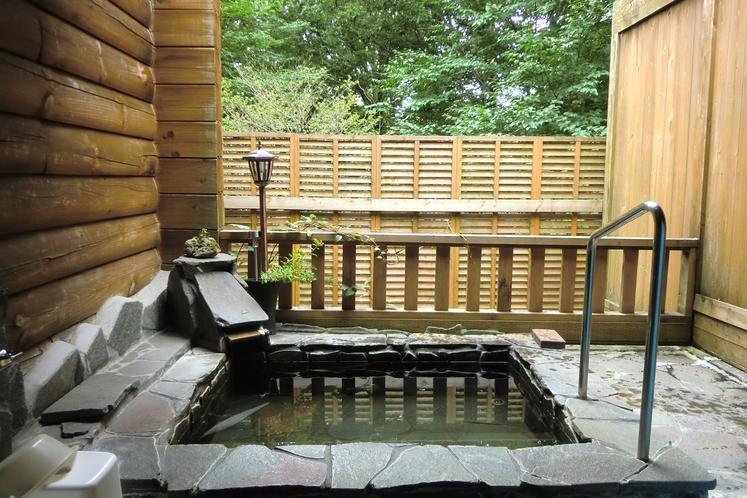 星・蛍・雪など那須の自然を満喫できる露天風呂♪滞在中空いていればいつでもご自由にお入りください
