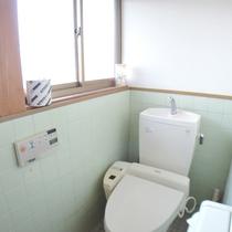 *【平徳ハイツ】トイレは温水洗浄便座付き