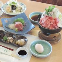 *【夕食一例】地元産の食材を多用した和食