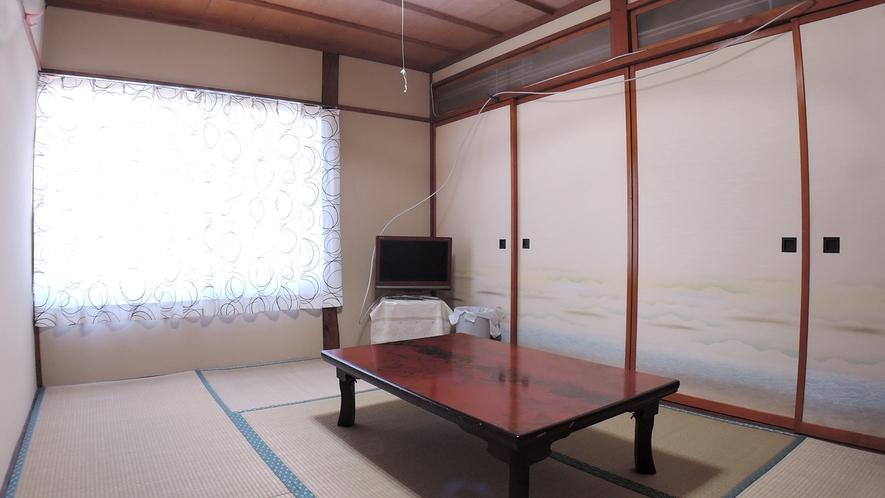 *客室/和室6畳。足を伸ばしてごゆっくりとお寛ぎください。