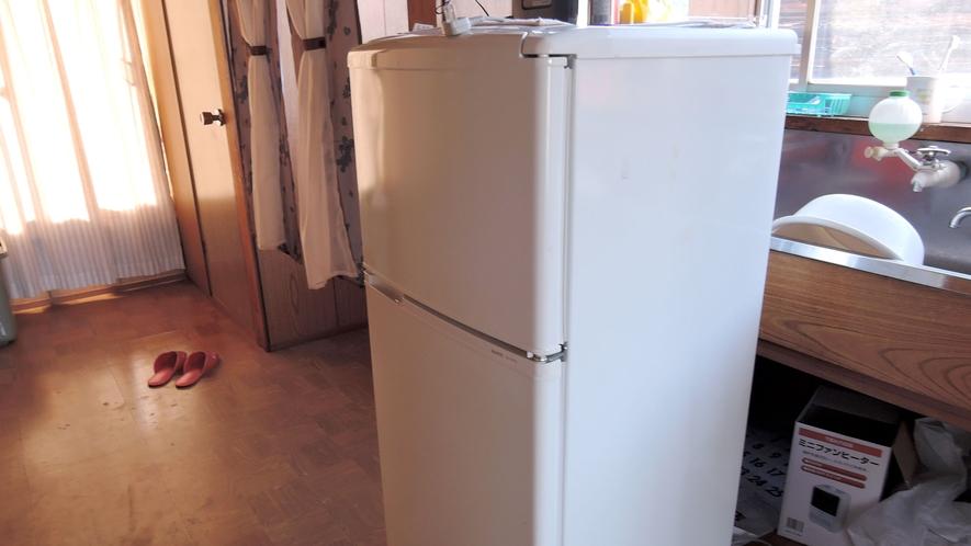*館内/共同でお使いいただける冷蔵庫がございます。