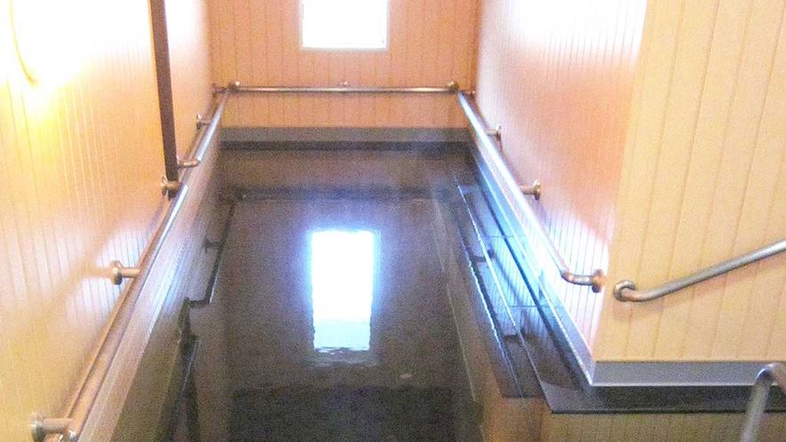 【温泉】療養炭酸泉が溶け込んだ5mの歩行浴