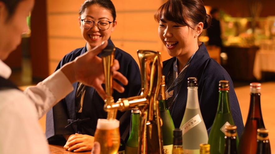 【バイキング】福島の地酒が堪能できるドリンクコーナーも。(有料)
