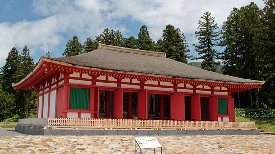 【慧日寺金堂・資料館】法相宗徳一菩薩が創建。昭和45年に国の史跡に指定されました。