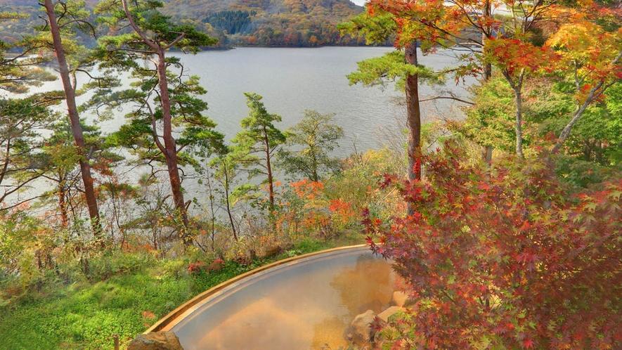 【ひばらみの湯】四季折々の景色が楽しめる絶景露天温泉。秋の紅葉に包まれて。