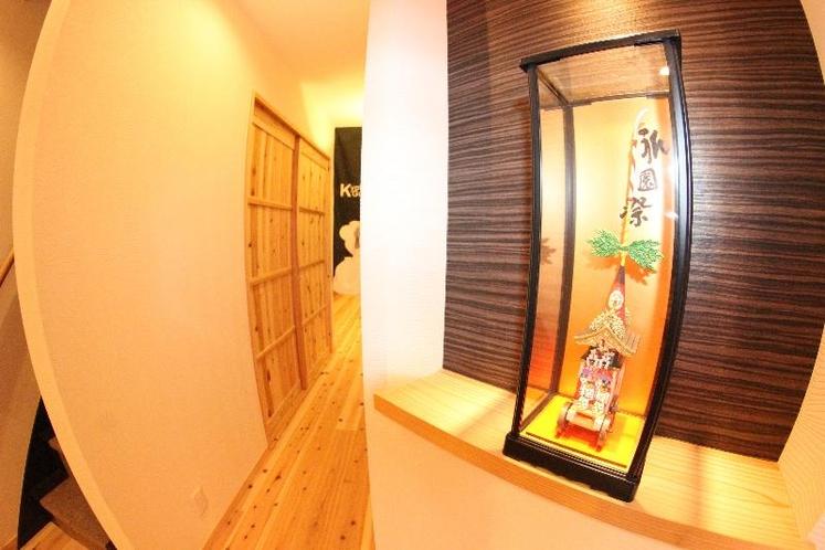 日本の伝統を思わせる廊下