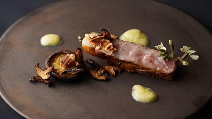 西伊豆食材で創る最高級イタリアンを贅沢フルコースで堪能、300年の歴史を持つ古民家レストラン 送迎付