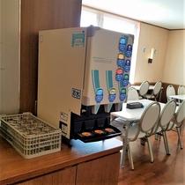 AZ cafe-Shidaka- 店内 ドリンクバー