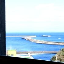 【お部屋】高台に建っていますので晴天なら隣の種子島まで眺めることもできます!