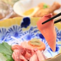【夕食】新鮮地魚のお造り
