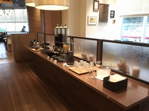 朝食ドリンクバー(ホットコーヒー、アイスコーヒー、アイスティー、オレンジジュース)