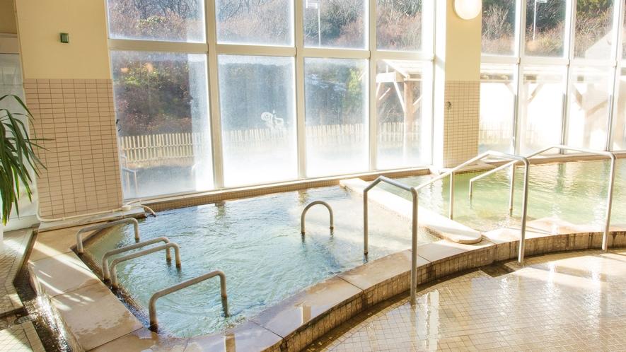 日帰り温泉施設《湯ったり館》とどぽっくる・広々大浴場