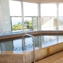 【3F宿泊者様専用大浴場】窓からは四季折々に変化する景色をお楽しみいただけます