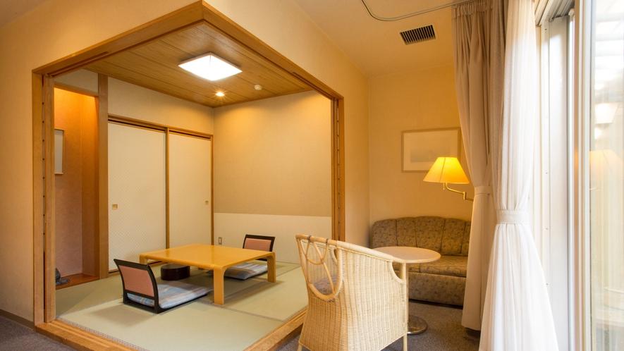 露天風呂付・和洋室 和室スペース