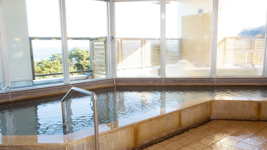 ご宿泊者様専用・3F露天風呂 四季折々に変化する景色をお楽しみください♪