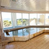 【3F宿泊者様専用大浴場】山側は恵山、海側は津軽海峡の大パノラマが♪