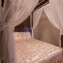 天蓋付ベッド