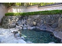 緑を楽しむ露天風呂