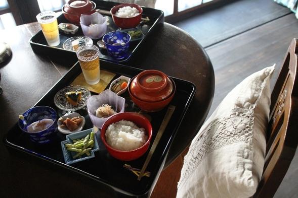 【朝食付】大正ロマン香る洋室でごゆるりとお部屋食*御膳でいただく京の日替わりおばんざいプラン
