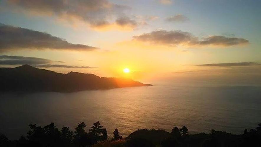 金華山から登る朝日~夕陽はめぐろ! 朝日(神秘的)と夜景(星きれいすぎ)は御番所公園!!