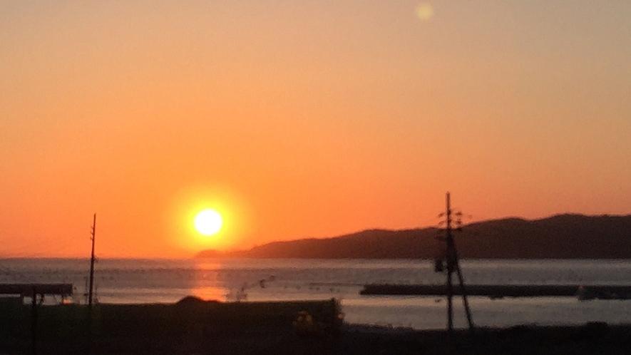 *周辺景色/美しい夕陽の景色は、明日へのパワーを運んできてくれます!