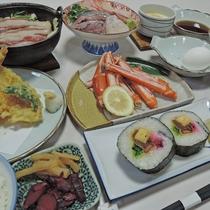 *夕食一例/自然豊かな土地を活かした山の幸のどちらも味わえる四季折々のお食事をご賞味ください。