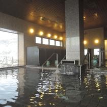*お風呂/海を隔てるものがない為、日本海を一望!水平線から昇るサンライズも格別な味わいです♪