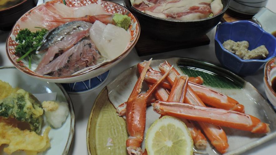 *夕食一例/日本海といえば蟹料理!季節によってかにをご提供しています。