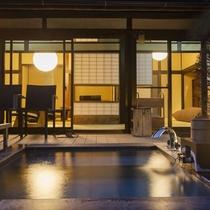 お庭に面した専用露天風呂(客室一例)