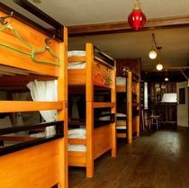 ドミトリー 木製ベッド