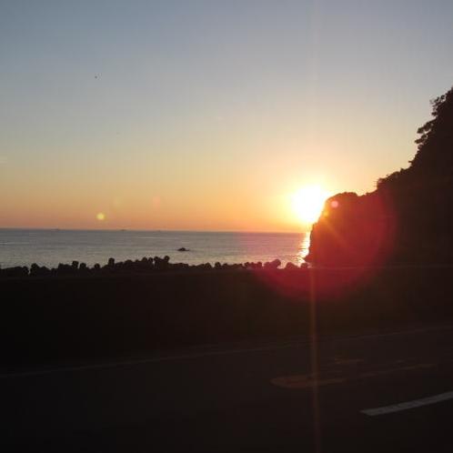 浜富前から眺めるある日の夕陽