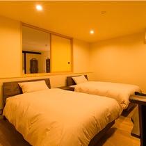 客室行雲 ベッドでお休みいただきます