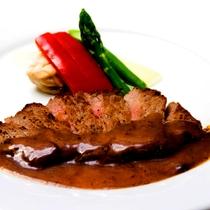 *【夕食一例】良質な農畜産物など食材に恵まれた当館ならではのお食事をお楽しみ下さい。