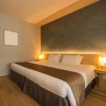 【1.5ベッドルーム】リビング横のベッドルームはドアを閉めてプライベートにお使い頂けます。