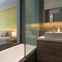 【2ベッドルームB リゾートビュー】お部屋内に2つの浴室を備えております。