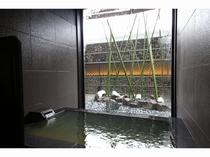 天然温泉家族風呂
