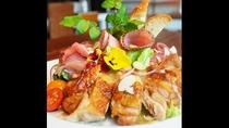 *【レストラン/珊瑚テーブル】サラダ ランデーズ