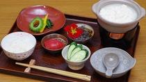*朝食例/近隣の「あいあいファーム」で食べる、「手作りゆし豆腐ご膳」