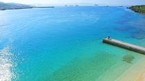 **沖縄本島の中でも透明度の高さで有名な瀬底ビーチ。ゆったりと流れる時間に癒されてください♪