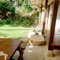 *縁側に座って、沖縄時間を体感ください。