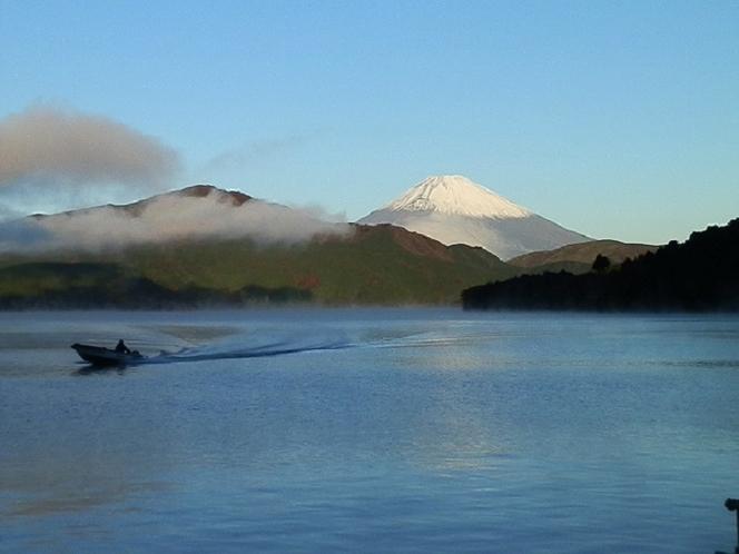 芦ノ湖夜明け