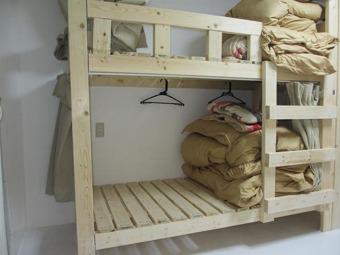 客室ベッド1