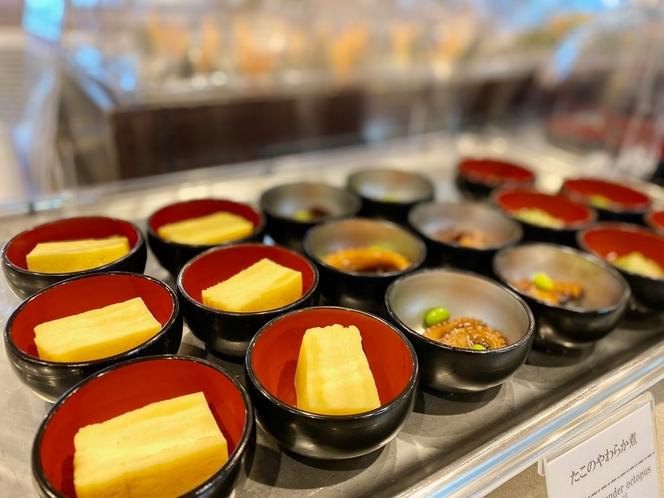 ◆豊富な種類の小鉢バイキング◆(※イメージ) 食べやすい一口サイズでご用意しております♪