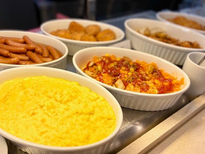 ◆温製ビュッフェコーナー◆(※一例) メニューは旬の物をご提供するべく随時変更しております。